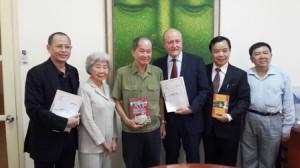 Ngoài giáo sư Larry Berman, Đại tá Tư Cang, bà Tám Thảo là những người tham gia cố vấn cho bộ phim